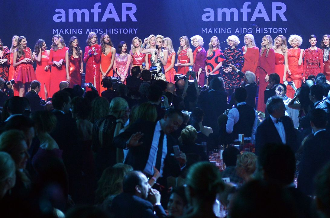 Cannes-Filmfestival-amfAR-Sharon-Stone-140522-3-AFP - Bildquelle: AFP