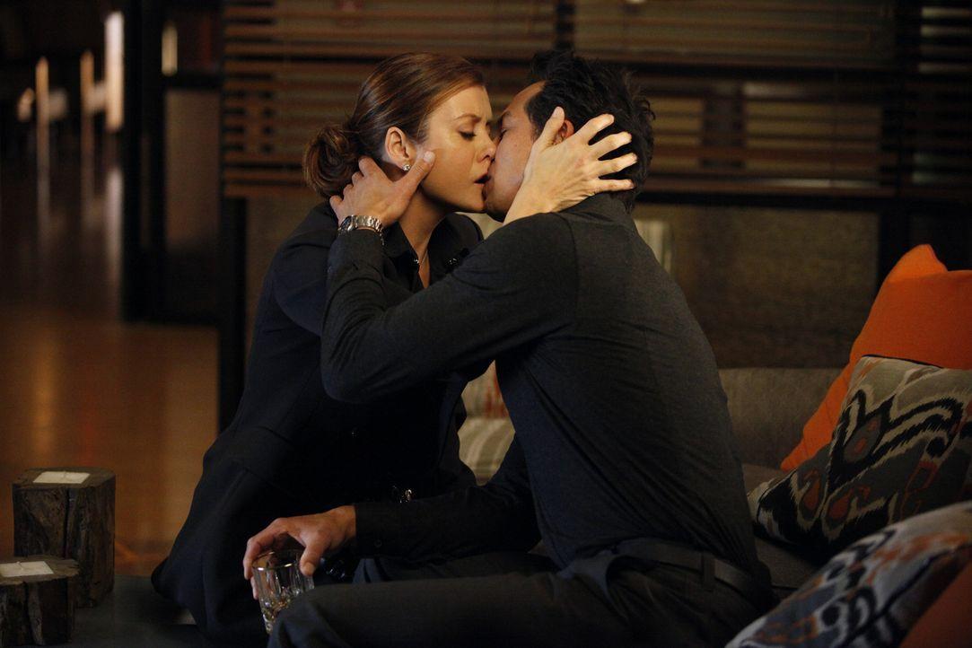 Haben sie eine Chance auf eine gemeinsame Zukunft? Addison (Kate Walsh, l.) und Jack (Benjamin Bratt, r.) ... - Bildquelle: ABC Studios