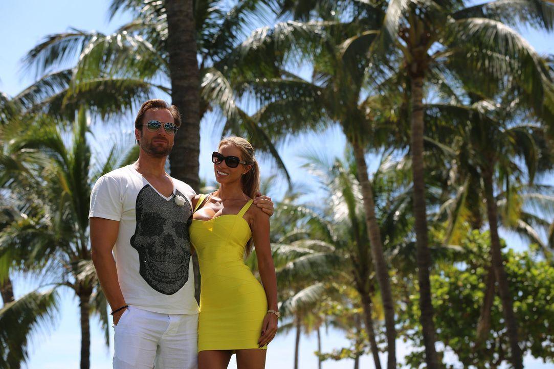Auf einem Roadtrip durch die USA: Unternehmer Bastian Yotta (l.) und Freundin Maria (r.) ... - Bildquelle: ProSieben