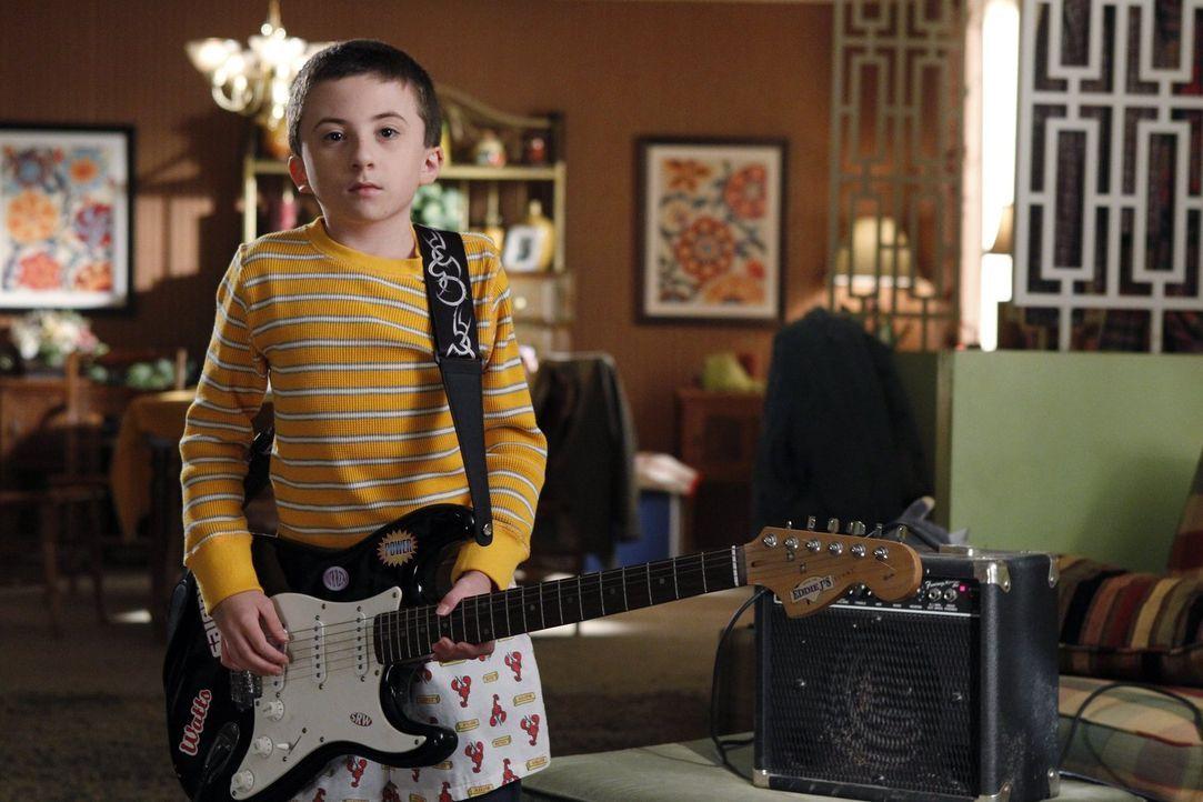 Anstatt wie immer gemeinsam mit seiner Mutter die Samstagseinkäufe zu erledigen, will Brick (Atticus Shaffer) dieses Mal zuhause bleiben. Das hat au... - Bildquelle: Warner Brothers