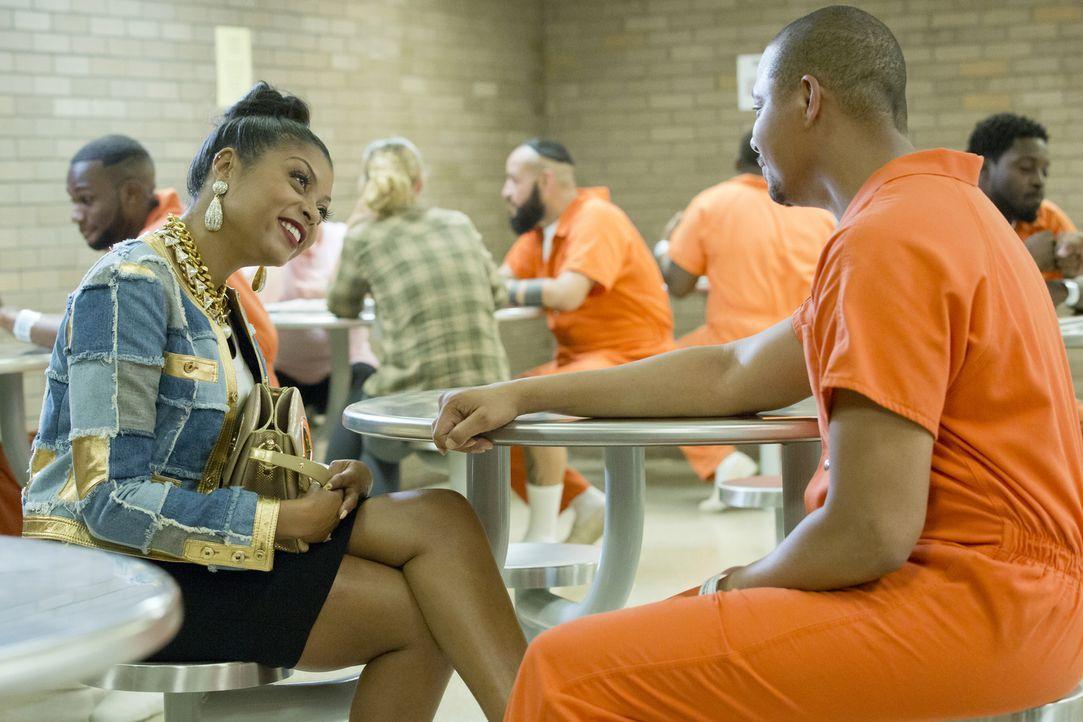 Noch ahnt Lucious (Terrence Howard, r.) nicht was seine Ex-Frau Cookie (Taraji P. Henson, l.) wirklich vor hat ... - Bildquelle: 2015-2016 Fox and its related entities.  All rights reserved.