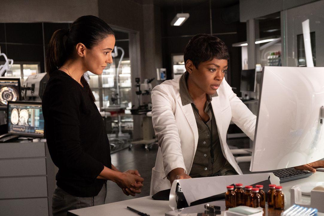 Dr. Lila Kyle (Emmanuelle Chriqui, l.); Dr. Major Nichole Sykes (Caroline Chikezie, r.) - Bildquelle: Erika Doss 2019 Fox and its related entities. All rights reserved. / Erika Doss
