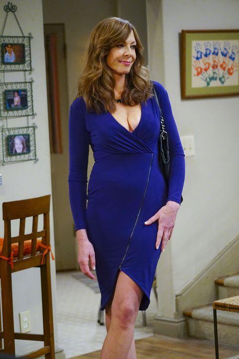 Bonnie (Allison Janney) will Adam eine zweite Chance geben und trifft sich mit ihm zum Essen. Doch obwohl der Abend ein absoluter Erfolg wird, muss... - Bildquelle: 2015 Warner Bros. Entertainment, Inc.
