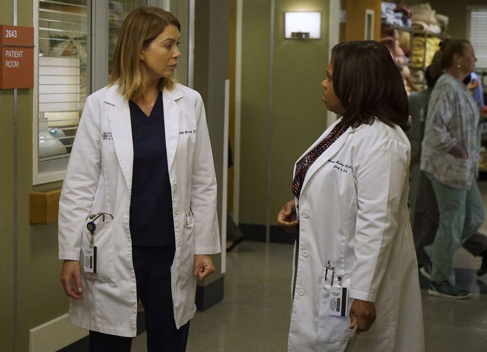 Bailey (Chandra Wilson, r.) hat ihren ersten Tag im neunen Job, während Meredith (Ellen Pompeo, l.) Schwierigkeiten hat, alle ihre Aufgaben zu meist... - Bildquelle: ABC Studios