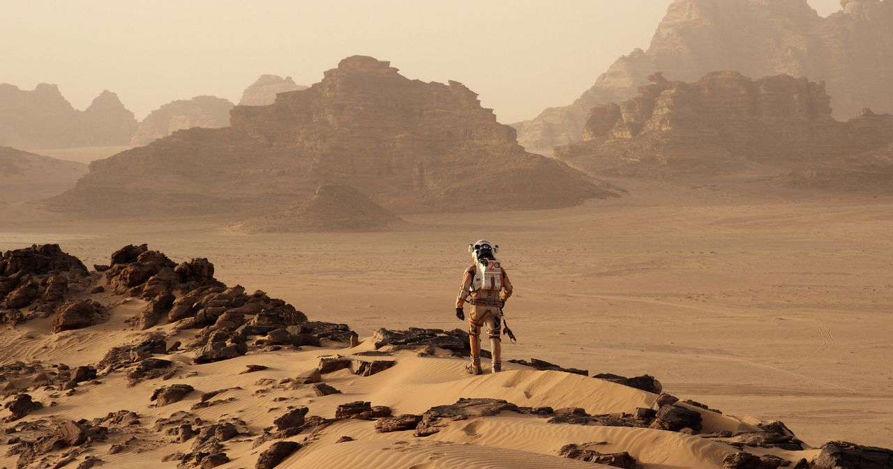 "Als die Mannschaft der Raumfahrt-Mission ""Ares III"" den Mars erforscht, baut sich ein gewaltiger Sandsturm auf. Alle Astronauten können sich in Sich... - Bildquelle: 2015 Twentieth Century Fox Film Corporation.  All rights reserved."