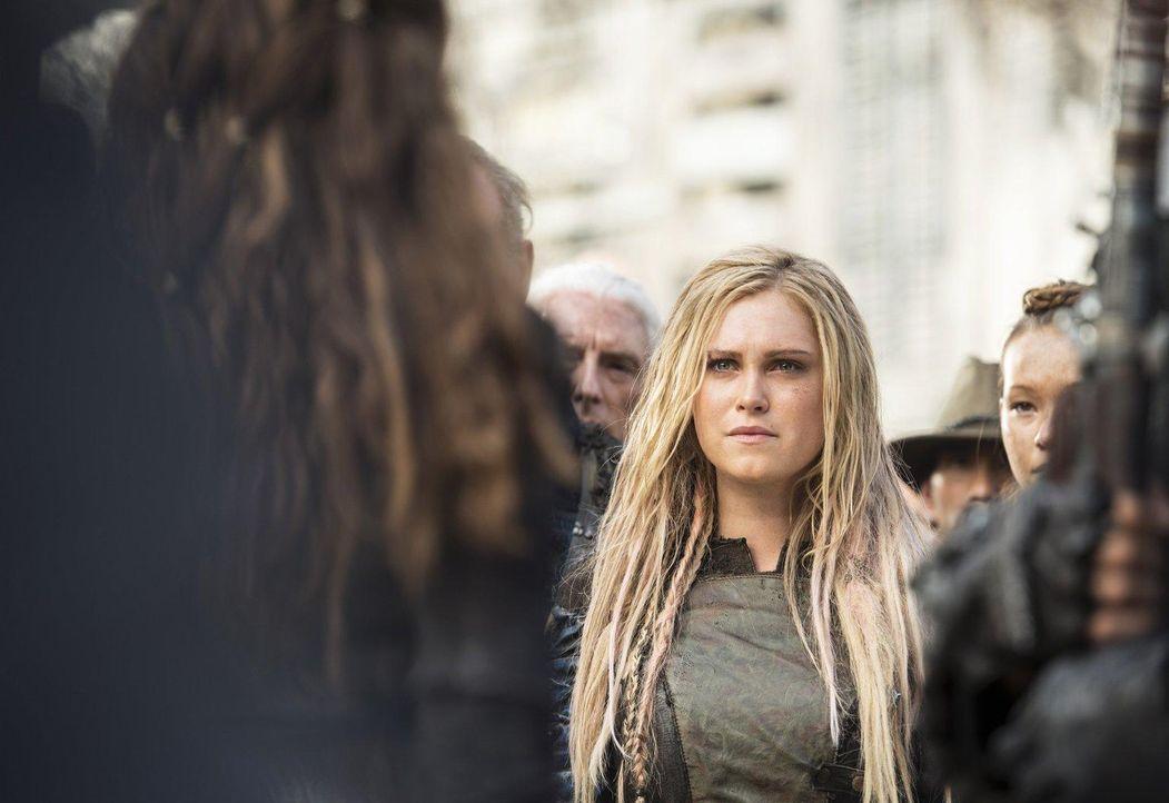 Erkennt Clarke (Eliza Taylor) zu spät wer hinter dem weitreichenden Plan steht? - Bildquelle: 2014 Warner Brothers