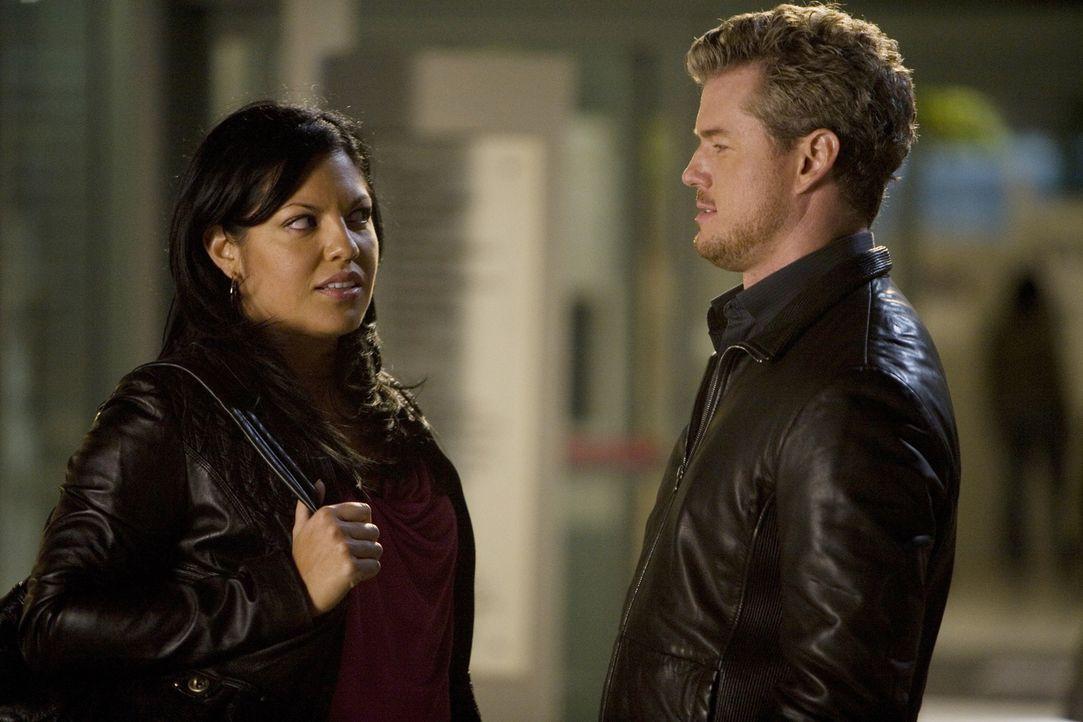 Bei einem Gespräch mit Mark (Eric Dane, l.) wird Callie (Sara Ramirez, r.) klar, für wen ihr Herz schlägt ... - Bildquelle: Randy Holmes Touchstone Television