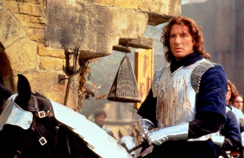 Lancelot (Richard Gere) wird von Gewissensqualen zermürbt. Er liebt die Frau von König Artus, der ihn wie einen Sohn bei sich aufgenommen hat. - Bildquelle: Columbia Pictures