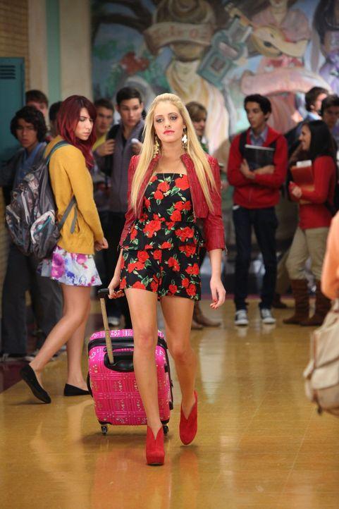 Ist genervt, dass sich Scott Strauss für Tessa und gegen sie entscheiden hat: Dalia (Carly Chaikin) ... - Bildquelle: Warner Brothers