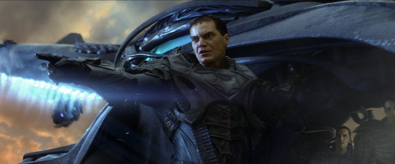Will ein neues Krypton erschaffen, auf Kosten der Erde: der kriminelle Kryptonier General Zod (Michael Shannon) ... - Bildquelle: 2013 Warner Brothers