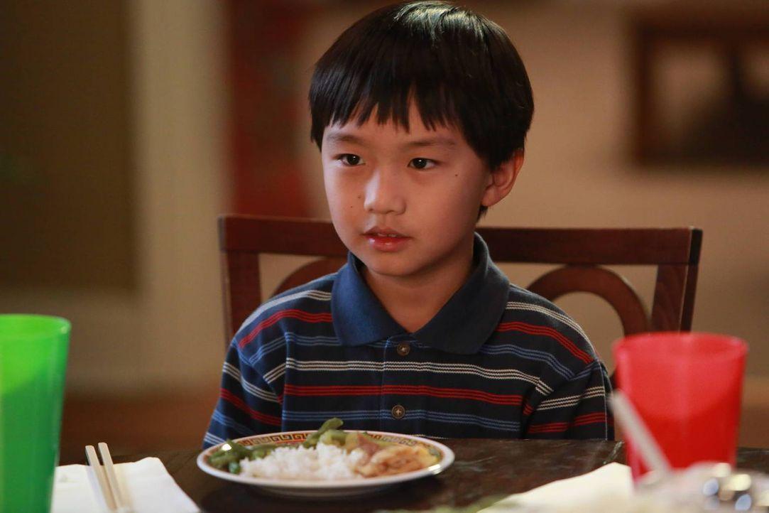 Louis wünscht sich eine Tochter. Emery und Evan (Ian Chen) befürchten deswegen, dass sie bald aus ihrem Zimmer ausziehen müssen ... - Bildquelle: 2015-2016 American Broadcasting Companies. All rights reserved.