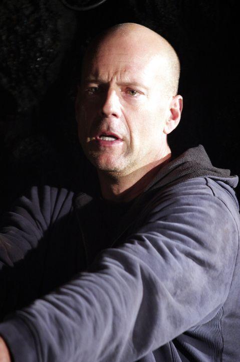 Der Polizist Jeff Talley (Bruce Willis) wird von der Mafia unter Druck gesetzt, nachdem diese seine Familie entführt hat ... - Bildquelle: 2004 Hostage, LLC. All Rights Reserved