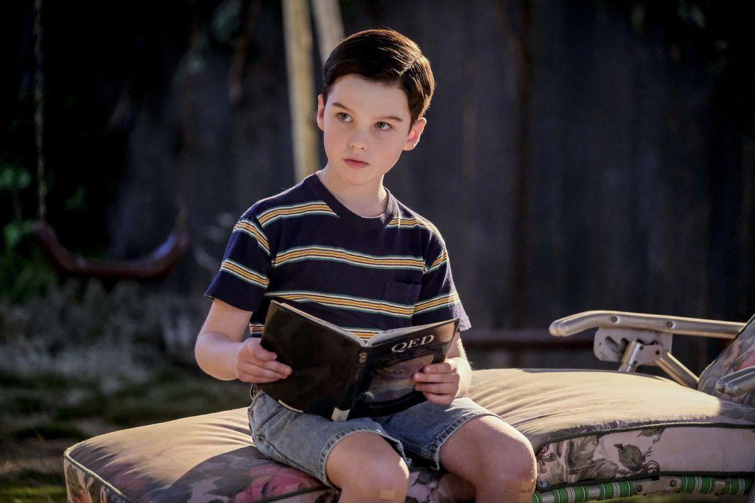 Sheldon (Iain Armitage) wird schikaniert und findet einen ganz eigenen Weg, sich zu schützen ... - Bildquelle: Warner Bros. Television