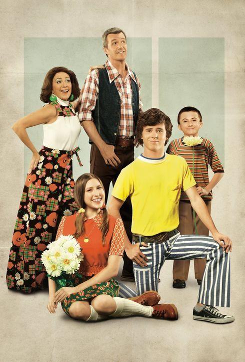 (4. Staffel) - Der alltägliche Wahnsinn ist bei ihnen Dauergast: Frankie (Patricia Heaton, l.) und Mike (Neil Flynn, M.) und ihre drei Kinder Axl (C... - Bildquelle: Warner Brothers