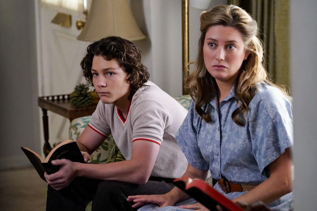 Georgie (Montana Jordan, l.); Mary (Zoe Perry, r.) - Bildquelle: Robert Voets 2018 CBS Broadcasting, Inc. All Rights Reserved / Robert Voets