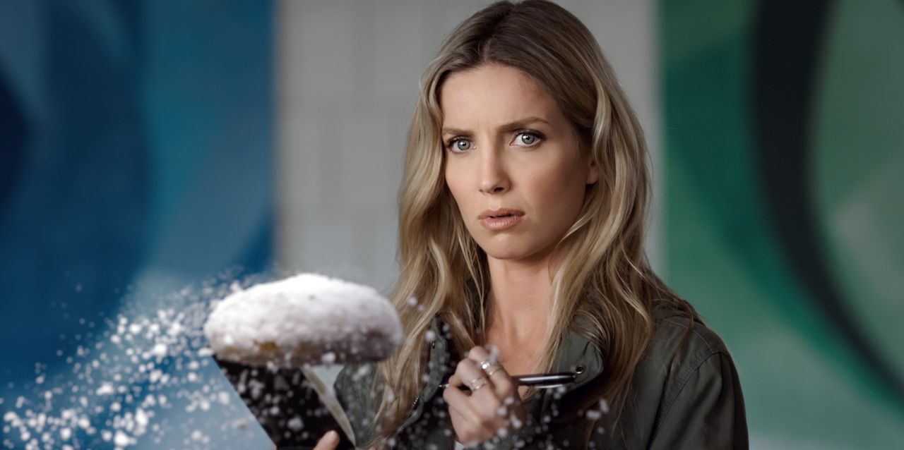 Rebecca Crosby (Annabelle Wallis) - Bildquelle: 2018 Warner Bros. Entertainment Inc. All Rights Reserved.