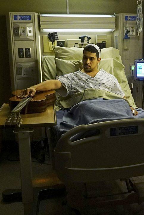 Kyle Diaz (Wilmer Valderrama) wird ins Krankenhaus eingeliefert, der ein bekannter Musiker ist und an Multipler Sklerose leidet. Er hat einen Tremor... - Bildquelle: Richard Cartwright ABC Studios