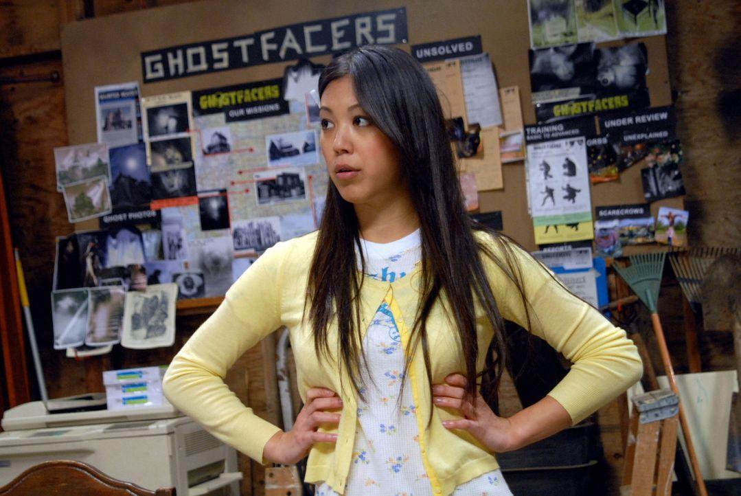 Wird sie auch Opfer mysteriöser Vorkommnisse? Maggie (Brittany Ishibashi) ... - Bildquelle: Warner Bros. Television