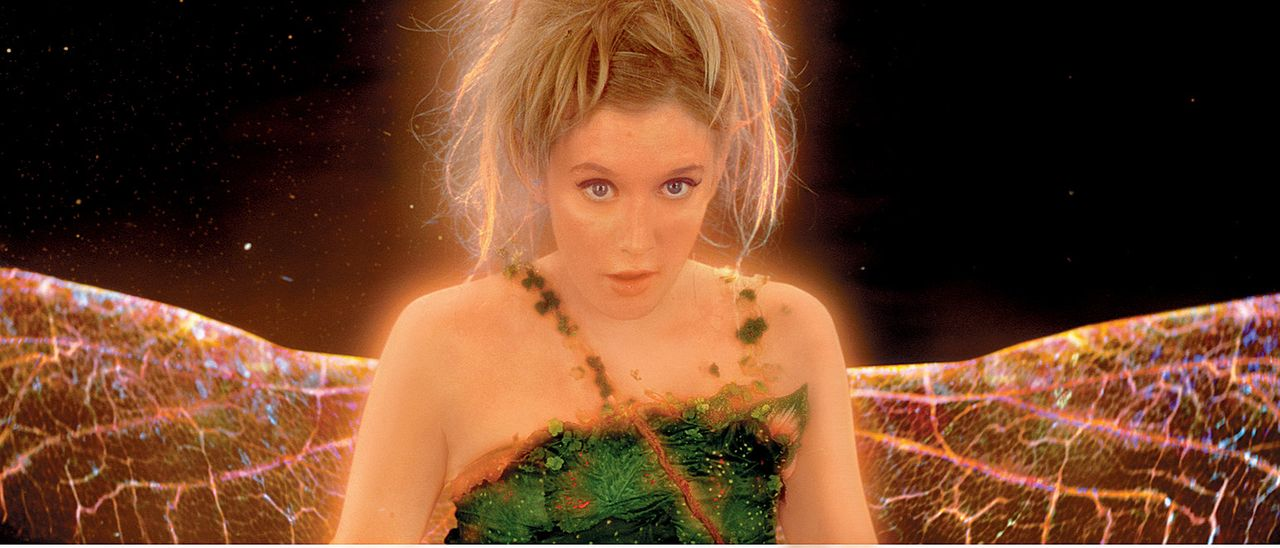 Ist eifersüchtig auf Wendy: Tinker-Bell (Ludivine Sagnier) ... - Bildquelle: 2004 Sony Pictures Television International. All Rights Reserved.