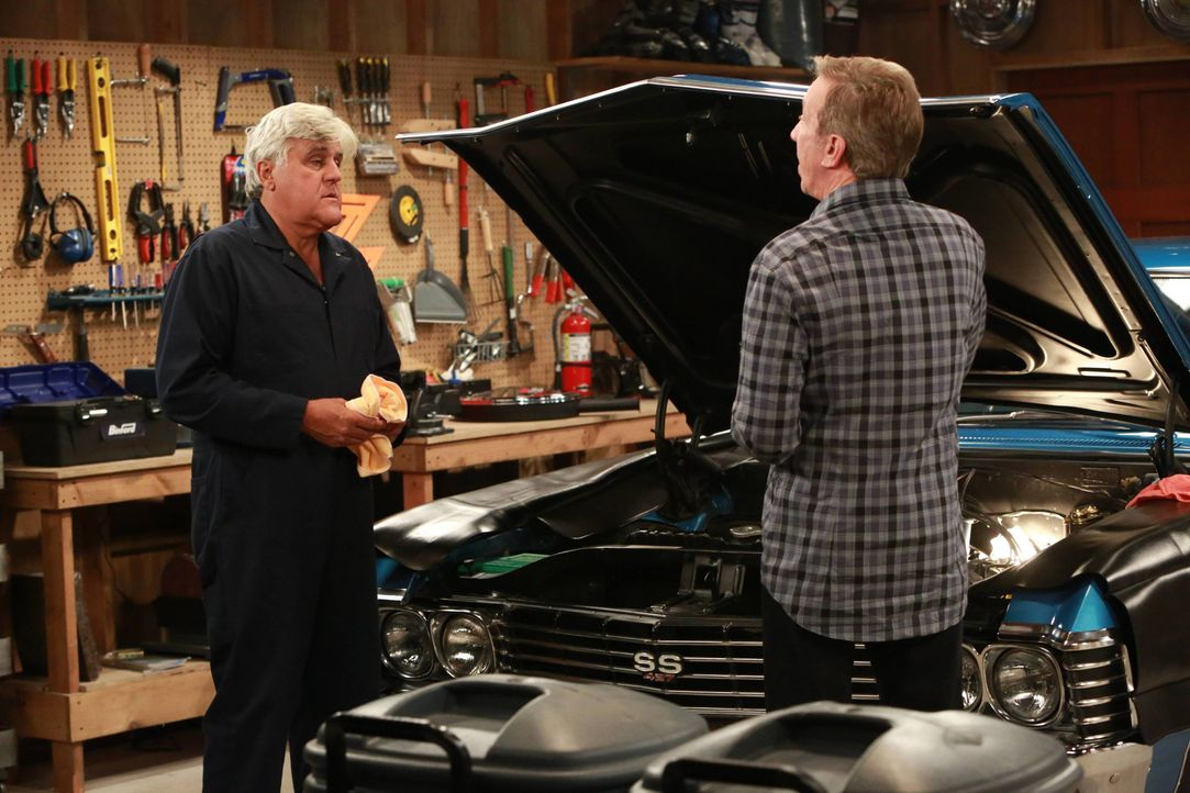 Joe (Jay Leno, l.); Mike Baxter (Tim Allen, r.) - Bildquelle: 2015-2016 American Broadcasting Companies. All rights reserved.