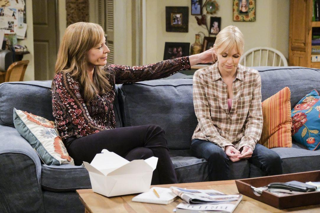 Bonnie (Allison Janney, l.) macht sich Sorgen, als Christy (Anna Faris, r.) in alte Sucht-Muster verfällt ... - Bildquelle: 2018 Warner Bros.