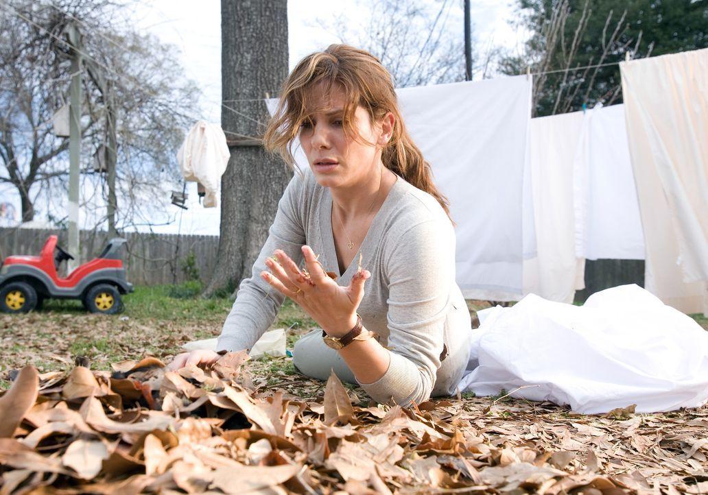 Immer wieder wird Linda (Sandra Bullock) von Bildern gequält, die ihr den Tod ihres Mannes ankündigen. Da erfährt sie, dass ihr Mann seine Lebens... - Bildquelle: KINOWELT FILMVERLEIH GMBH