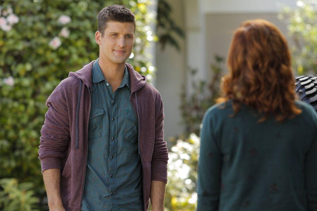Auch Ryans (Parker Young, l.) alte Gefühle für Tessa (Jane Levy, r.) scheinen wieder aufzuflammen. Oder redet sie sich das nur ein, weil sie es sich... - Bildquelle: Warner Brothers