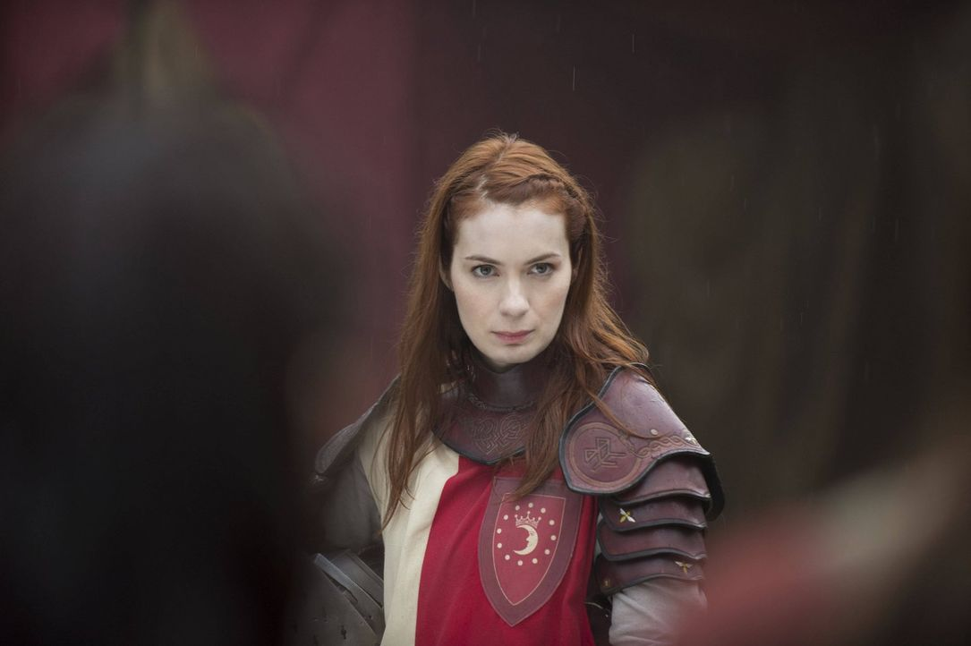 Ihre Armee ist geschwächt. Verliert Charlie (Felicia Day) ihre Krone wirklich im Kampf der Königreiche? - Bildquelle: Warner Bros. Television