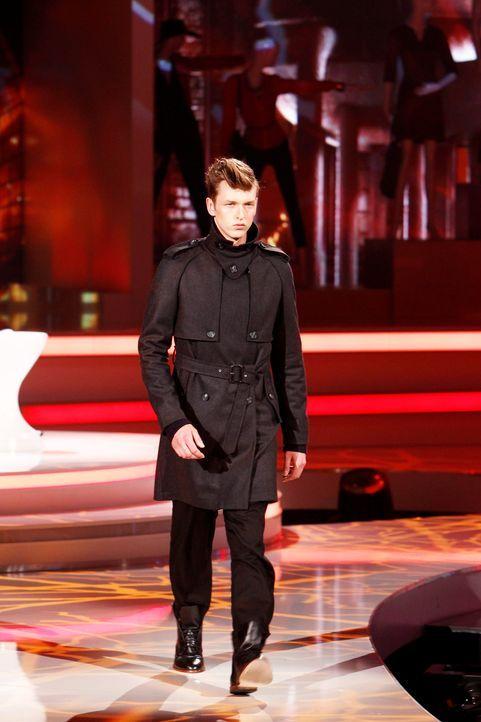 Fashion-Hero-Epi03-Gewinneroutfits-Tim-Labenda-Karstadt-04-Richard-Huebner - Bildquelle: Richard Huebner