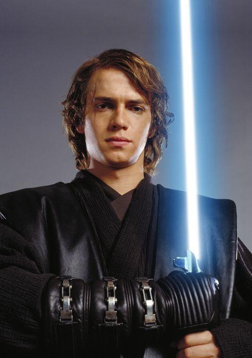Der junge, talentierte und machthungrige Jedi Anakin Skywalker (Hayden Christensen) ist hin- und hergerissen, weil er nicht weiß, wem er sein Vertr... - Bildquelle: Lucasfilm Ltd. & TM. All Rights Reserved.