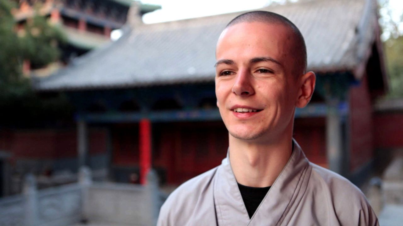 Der Berliner René will Shaolin-Mönch werden. Für den Glauben hat der 25-Jährige sein weltliches Leben hinter sich gelassen und geht stattdessen... - Bildquelle: ProSieben
