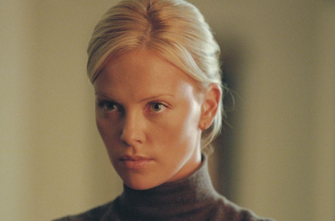 Johns Tochter Stella (Charlize Theron), eine Tresorexpertin, vor der nichts wirklich sicher ist, hat nur noch ein Interesse: Rache zu nehmen am Mörd... - Bildquelle: TMG