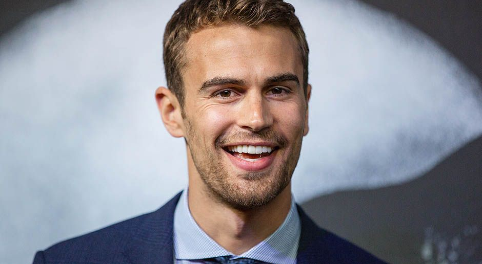 Theo-James-Teen-Choice-Awards-14-04-01-3-dpa - Bildquelle: dpa