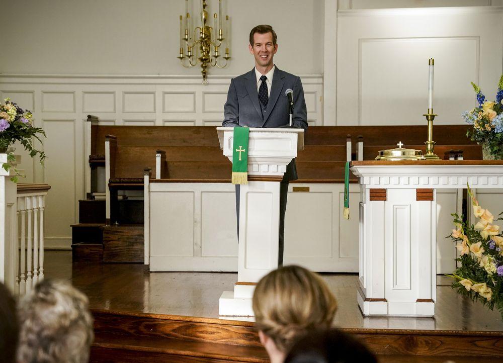 Pastor Jeff (Matt Hobby) - Bildquelle: Cliff Lipson 2018 CBS Broadcasting, Inc. All Rights Reserved / Cliff Lipson