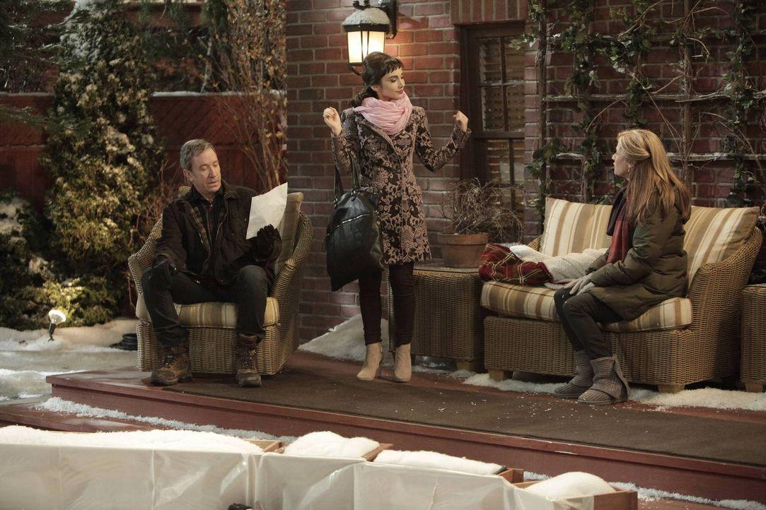 Mike (Tim Allen, l.) und Vanessa (Nancy Travis, r.) sorgen dafür, dass Mandy (Molly Ephraim, M.) ihre Schulnoten mit ein wenig Hilfe aufbessern kann... - Bildquelle: 2014 Twentieth Century Fox Film Corporation. All rights reserved.