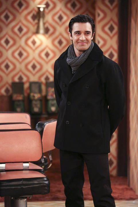 Versucht alles, damit Caroline mit ihm zusammen sein möchte: Nicholas (Gilles Marini) ... - Bildquelle: Warner Bros. Television
