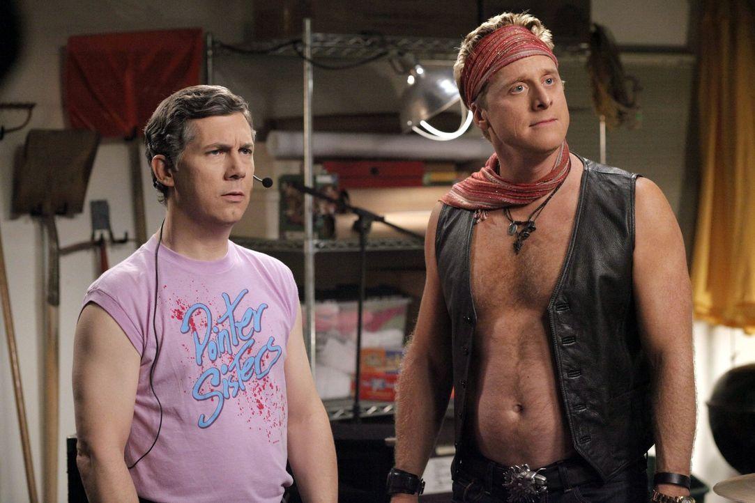 Fred (Chris Parnell, l.) und Noah (Alan Tudyk, r.) verstehen die Welt nicht mehr. Warum will George denn unbedingt ihre Männerband auflösen, indem e... - Bildquelle: Warner Brothers