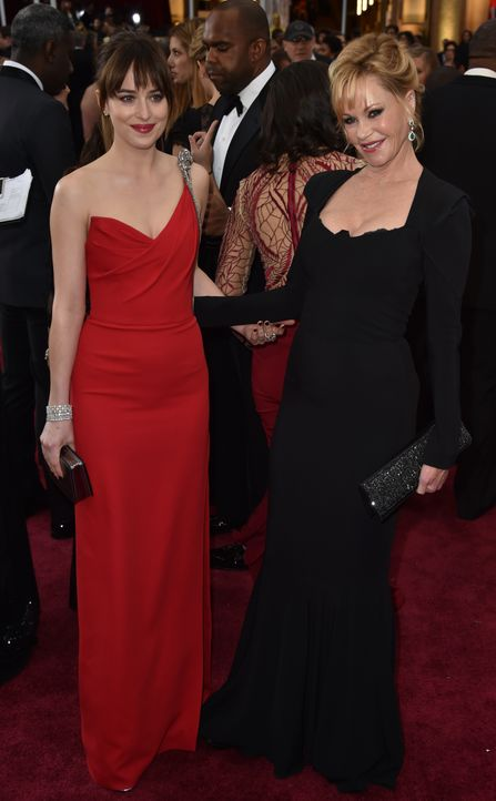 Dakota Johnson und Melanie Griffith Red Carpet - Bildquelle: getty AFP