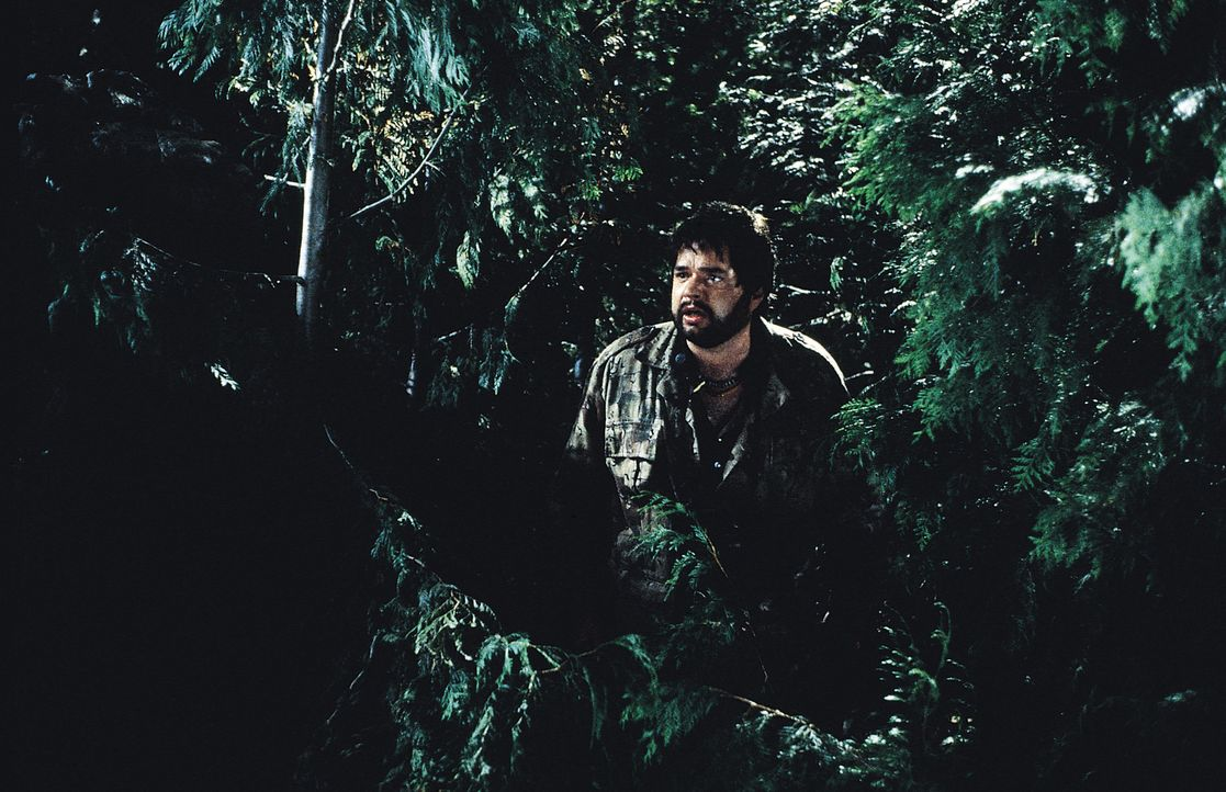 Auf der Suche nach dem mysteriösen Ungeheuer macht Mythologie-Professor Hector Cyr (Oliver Platt) eine Entdeckung, die den Horror beenden könnte ... - Bildquelle: Tobis Film