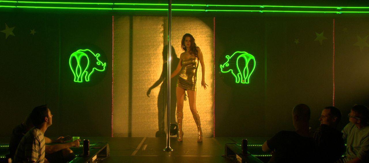 Lässt sich auf einen Zombievirus ein, um als Stripperin mehr Erfolg zu haben: Sox (Penny Drake). Dummerweise führt kein Weg zurück aus dem Untote... - Bildquelle: 2007 Worldwide SPE Acquisitions Inc. All Rights Reserved.