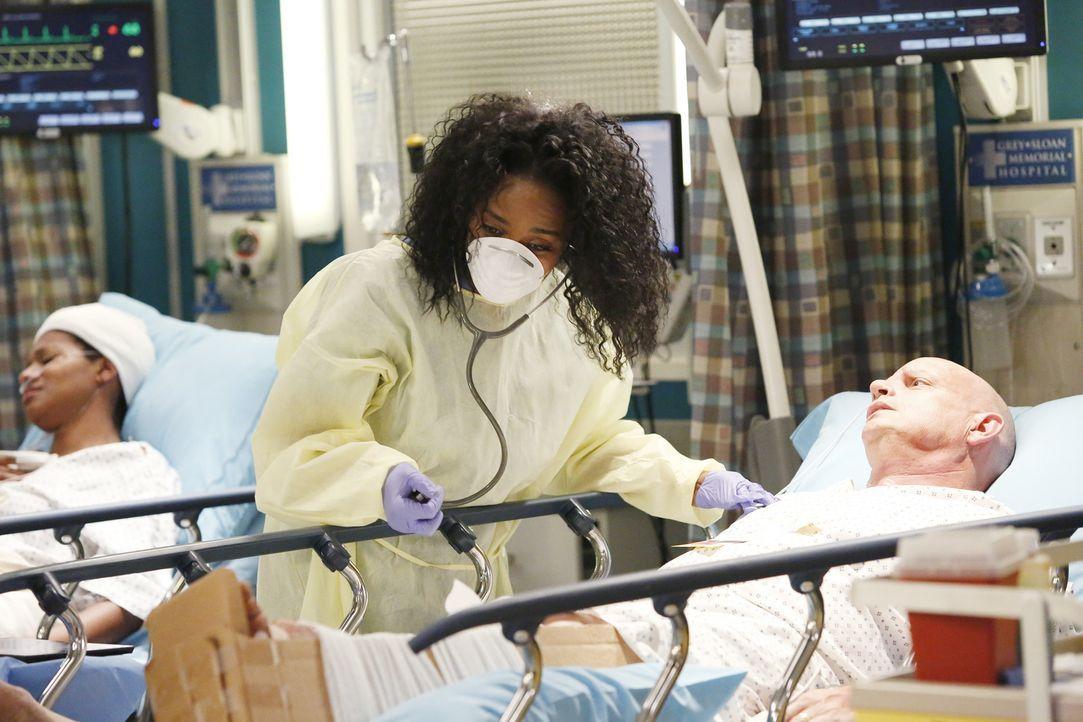 Nach einer Explosion in einer großen Shopping Mall kämpft Stephanie (Jerrika Hinton) ums Überleben ihres Patienten ... - Bildquelle: Kelsey McNeal 2014 American Broadcasting Companies, Inc. All rights reserved.