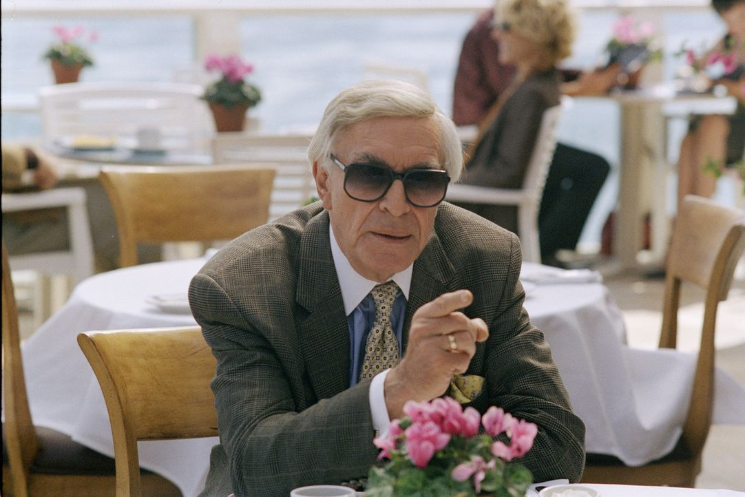 Hat Jerry Duran (Martin Landau) etwas mit den Morden zu tun? - Bildquelle: 2003 Sony Pictures Television International. All Rights Reserved.