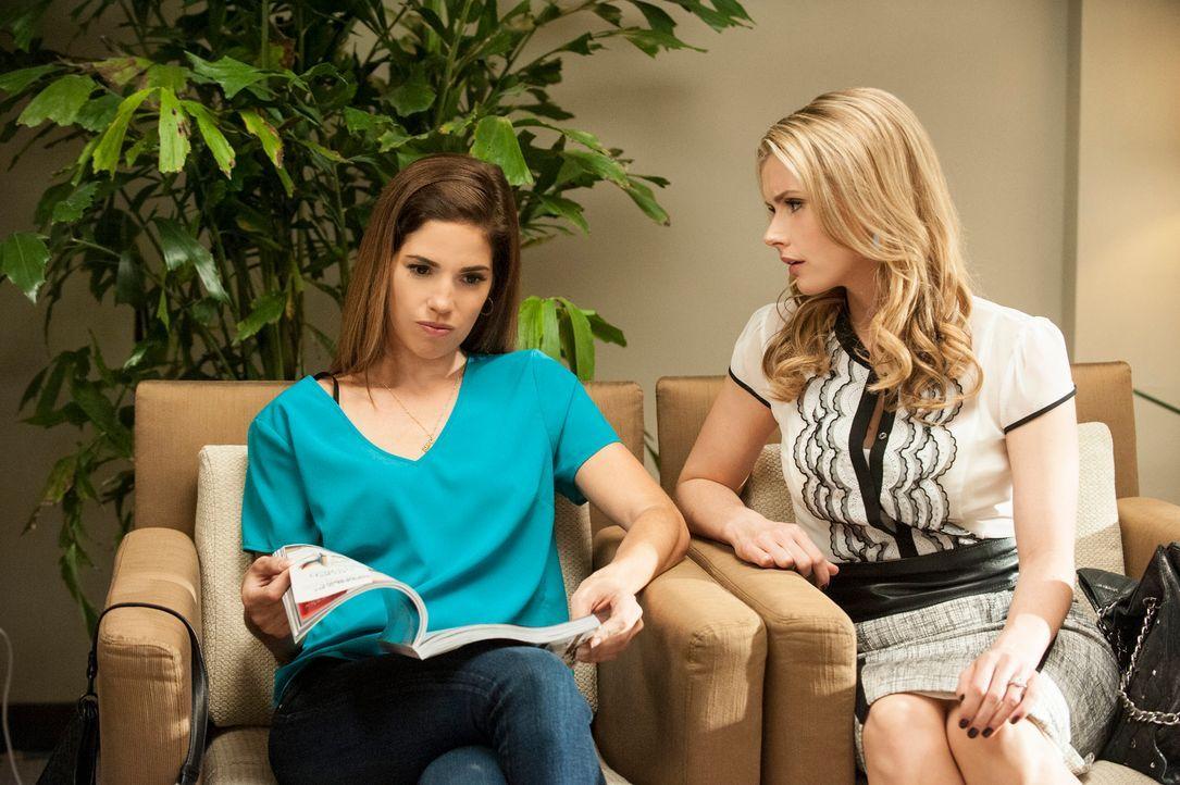 Marisol (Ana Ortiz, l.) steht Taylor (Brianna Brown, r.) in einer ganz besonderen Situation zur Seite ... - Bildquelle: ABC Studios