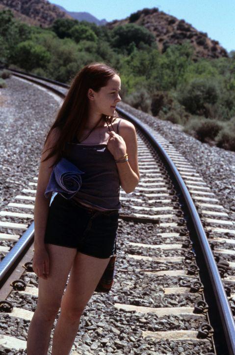 Einziger Lichtblick im Leben der 15-jährigen Rena Grubb (Jena Malone) ist der Postenkartenverkehr mit ihrem seit Jahren wegen Mordes einsitzenden V... - Bildquelle: Tomorrow Film