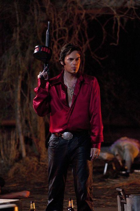 Satanisten-Guru Jonah King (Billy Burke) will eine junge Frau für den Fürsten der Hölle opfern, doch dieses Mal hat er sich die falsche Tochter ausg... - Bildquelle: 2011 Warner Bros. Entertainment INC. All rights reserved.