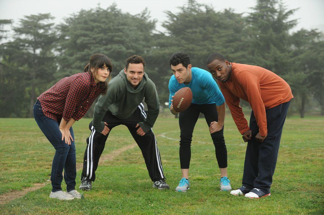 Verbringen einen gemeinsamen Football-Nachmittag: Jess (Zooey Deschanel, l.), Schmidt (Max Greenfield, 2.v.r.), Nick (Jake M. Johnson, 2.v.l.) und W... - Bildquelle: 20th Century Fox