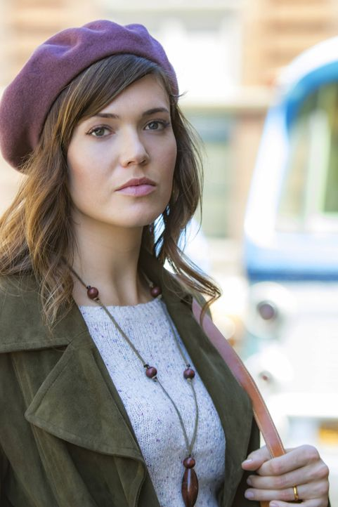 Ist auf der Suche nach dem leiblichen Vater ihres Adoptivsohnes: Rebecca (Mandy Moore) ... - Bildquelle: Ron Batzdorff 2016-2017 Twentieth Century Fox Film Corporation.  All rights reserved.   2017 NBCUniversal Media, LLC.  All rights reserved.