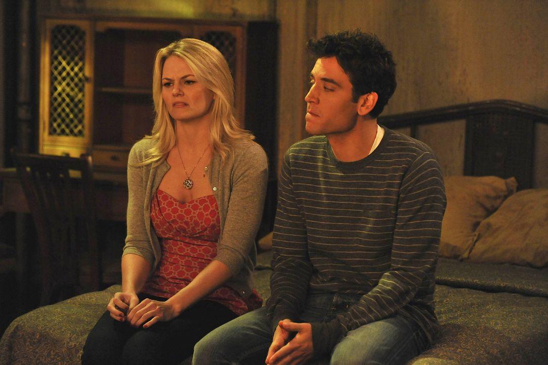 Ted (Josh Radnor, r.) plant für Zoey (Jennifer Morrison, l.) ein romantisches Wochenende am Meer, doch Zoey hat ganz andere Pläne ... - Bildquelle: 20th Century Fox International Television