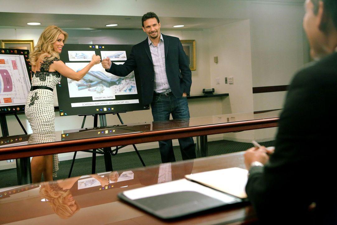Planen eine Revanche für Georges ehemalige Kollegen aus New York: George (Jeremy Sisto, r.) und Dallas (Cheryl Hines, l.) ... - Bildquelle: Warner Brothers
