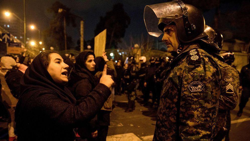 - Bildquelle: Mona Hoobehfekr/Iranian Students' News Agency, ISNA/AP/dpa